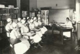 Maude Essig teaching a small class of Brokaw nursing students in 1926.