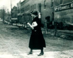 Mrs. Edwards F. Worst crossing 9th Street
