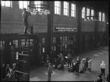 Chicago-Union Station-Concourse-passengers