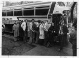 North Parker May 1977, Swedish students standing in front of bus, Sven Olof Petersson