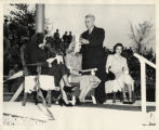 President Algoth Ohlson crowning the Homecoming queen, 1948