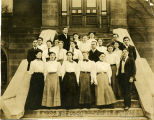 Ida Healy and her Class