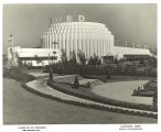[Garden leading up to the entrance of the Ford Building at the Century of Progress International Exposition,